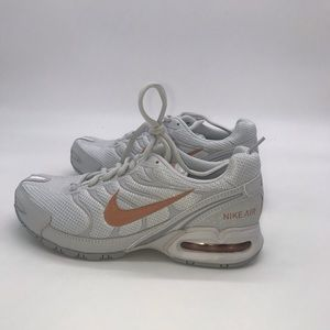 Nike Womens Air Max Torch 4 Running Shoe Rose/Gold